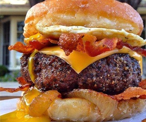 food, bacon, and burger image
