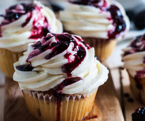 cupcake, food, and dessert image