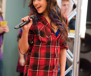 victorious and elizabeth gillies image