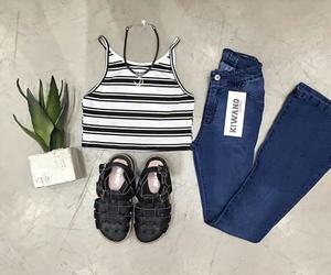 top rayado, jean oxford blues, and boho black sandals image