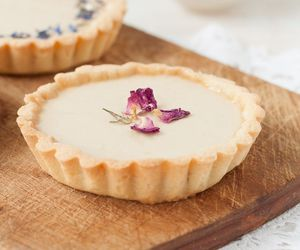 tart and panna cotta image