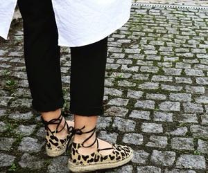 autumn, cheetah, and fashion image