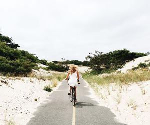bike and travel image