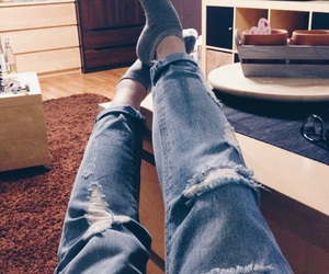 chillout, rippedjeans, and boyfriendjeans image