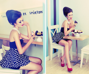 black and white, cupcakes, and dots image