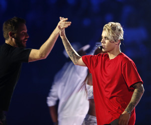 justin bieber and idol image