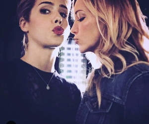 arrow and emily bett rickards image