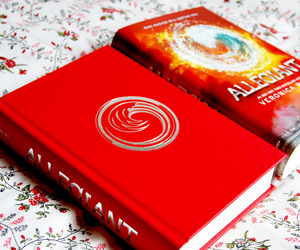 book, read, and allegiant image