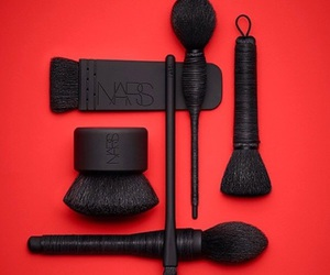 Brushes, nars, and red image