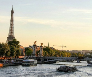 back drop, love it, and tour eiffel image