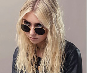 Taylor Momsen, the pretty reckless, and music image