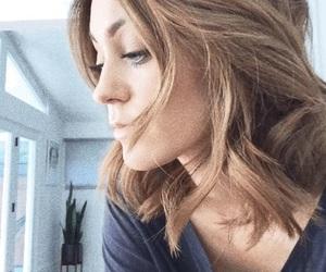 hair and sarah urie image
