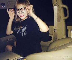 brown hair, hyuna, and girl image