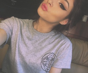 makeup and chrissy costanza image