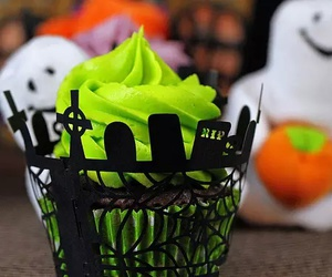 Halloween, cupcake, and green image