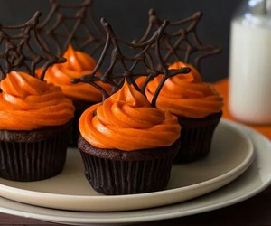 cupcake, Halloween, and party image