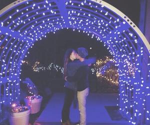 kiss and lights image
