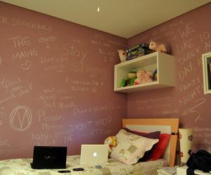 peace, quarto, and wall image