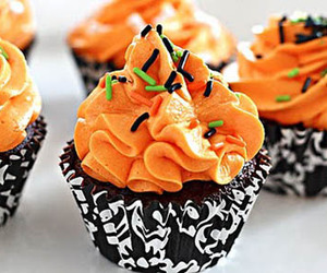cupcake, Halloween, and candy image