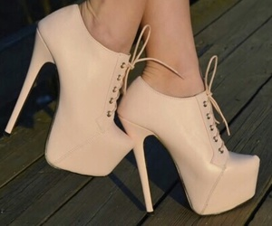 heels and Nude image