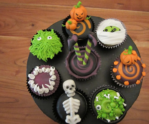 food, cupcakes, and Halloween image