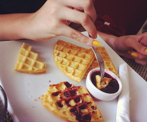 doce and waffles image