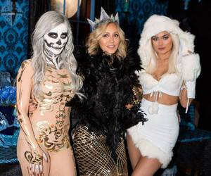 kylie jenner and Halloween image