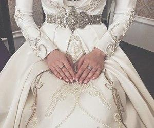 dress, beauty, and hijab image
