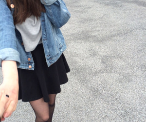 girl, tumblr, and pale image