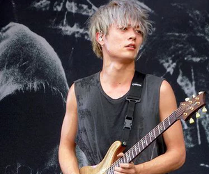 one ok rock, toru, and japan image