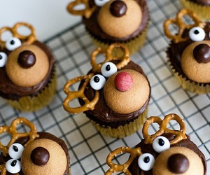 buns, cupcakes, and festive image