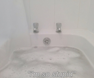pale, bath, and grunge image