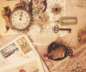 vintage, key, and clock image