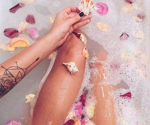 bath and bathtub image