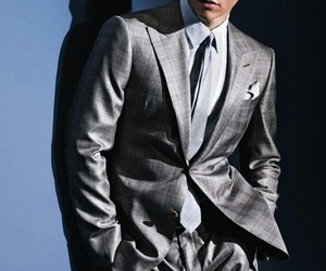 male model, alexandre cunha, and suit & tie image