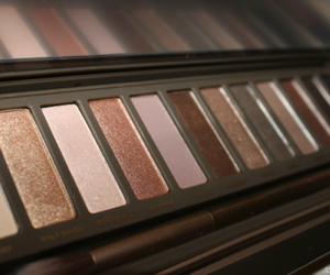 beauty, eyeshadow, and naked palette image