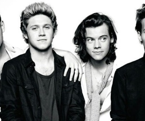 Harry Styles, one direction, and louis tomlinson image