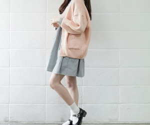 fashion, pale, and girl image
