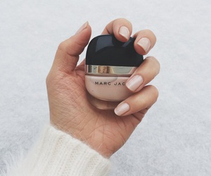 nails, marc jacobs, and Nude image
