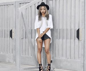 fashion, girl, and outifit image