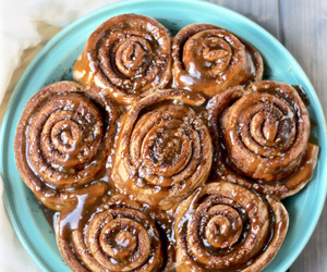 cinnamon rolls and rolls image
