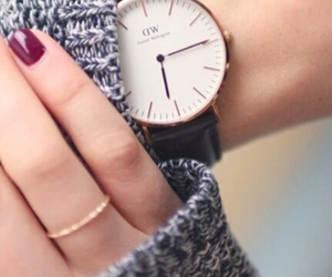 dw, red nails, and daniel wellington image