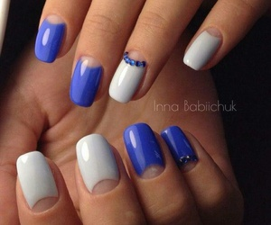 fingers and manicure image