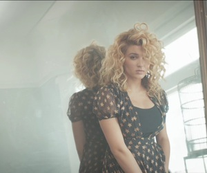 hollow, music video, and tori kelly image