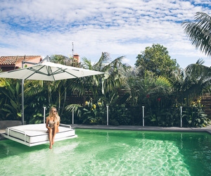 pool and janni deler image