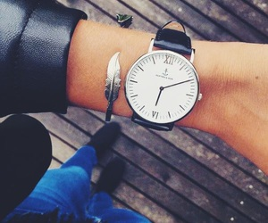 pretty and watch image