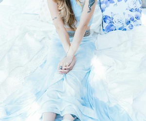 blue, fashion, and juliet simms image