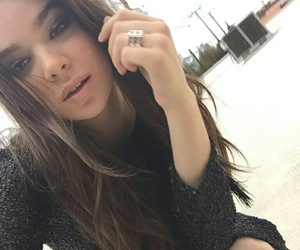 hailee steinfeld, hailee, and famous image