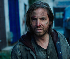 12 monkeys and aaron stanford image