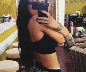 headers, twitter, and kylie jenner image